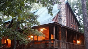 Blue Beaver Luxury Cabins in Broken Bow offer nearly 30 gorgeous properties in the heart of southeast Oklahoma.