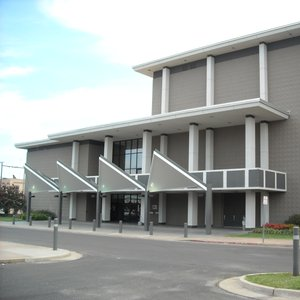The Muskogee Civic Center is an 8,500-square-foot venue located in the heart of Muskogee.