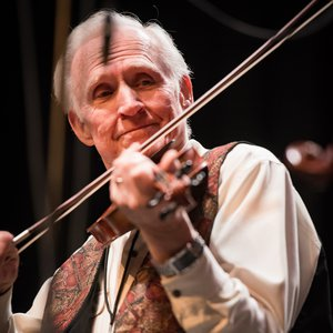 Byron Berline performs at the 2017 Fiddler Hall of Fame induction