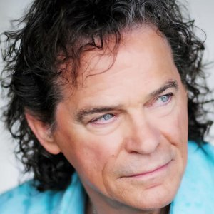 """Oklahoma native B.J. Thomas became famous with hits like """"I'm So Lonesome I Could Cry"""" and """"Hooked on a Feeling."""""""