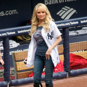 Kristin Chenoweth sang the national anthem for the Yankees home opener in 2010 at Yankee Stadium.