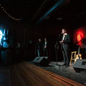 """John Fullbright accepts the """"Rising Star"""" award at the Oklahoma Music Hall of Fame in Muskogee, Oklahoma in 2014"""