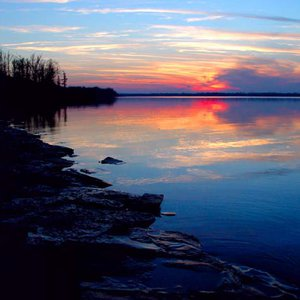 Pretty as a painting, Lake Eufaula State Park is adorned in bold tones at sunset.