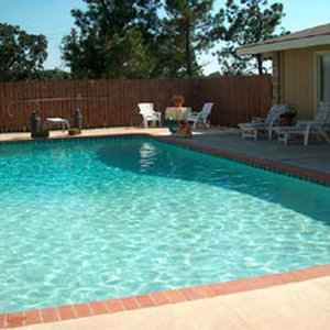Take a dip in the refreshing pool at Wakefield Country Inn with your loved one and then lounge in the sun.