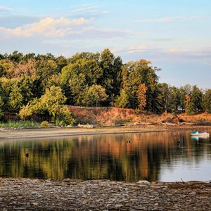Scenic coves of Lake Eufaula like this one wait to be explored by visitors.