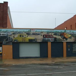 The Alva Mural Society commissioned the creation of this Alva Speedway Mural in 2005.