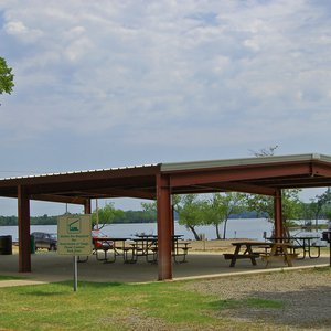 A full view of the picnic pavilion within the Snowdale Area at Grand Lake State Park.
