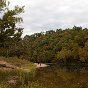 Hike beside the lake shores at Spavinaw Area at Grand Lake State Park. Photo by Rebekah Workman.