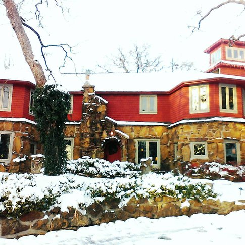 The beautiful Cedar Rock Inn at Redberry Farm in winter.