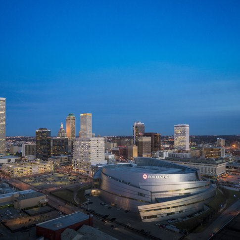 Tulsa contains plenty of districts with a range of activities, from live shows and restaurants to attractions and shopping options.