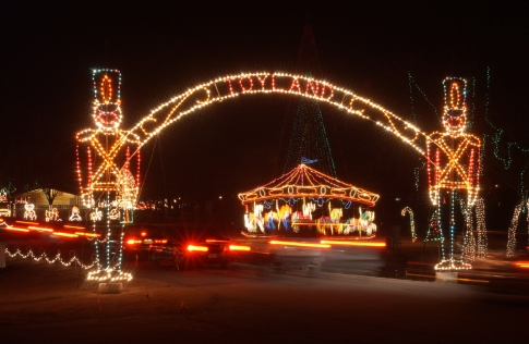 gaze at more than a million sparkling lights as you drive through the park during midwest citys holiday lights spectacular the winter wonderland features