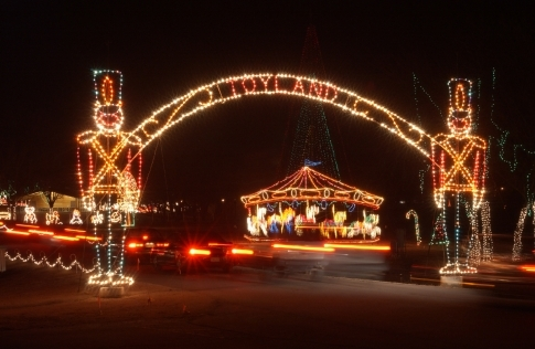 Gaze at more than a million sparkling lights as you drive through the park during Midwest City's Holiday Lights Spectacular.  The winter wonderland features 90 dazzling displays as well as cozy carriage rides.