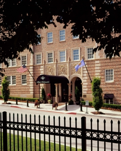 The front entrance of the Hotel Ambassador in Tulsa sets the stage for the elegant ambiance inside this historic hotel.