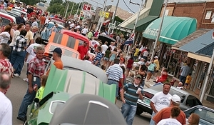 The Heartland Cruise Car Show in Weatherford fills the streets with over 250 classic cars each June.