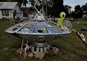 Built by a local resident of Stroud, the Alien Landing Yard Art is one of the most interesting roadside stops along the Mother Road.