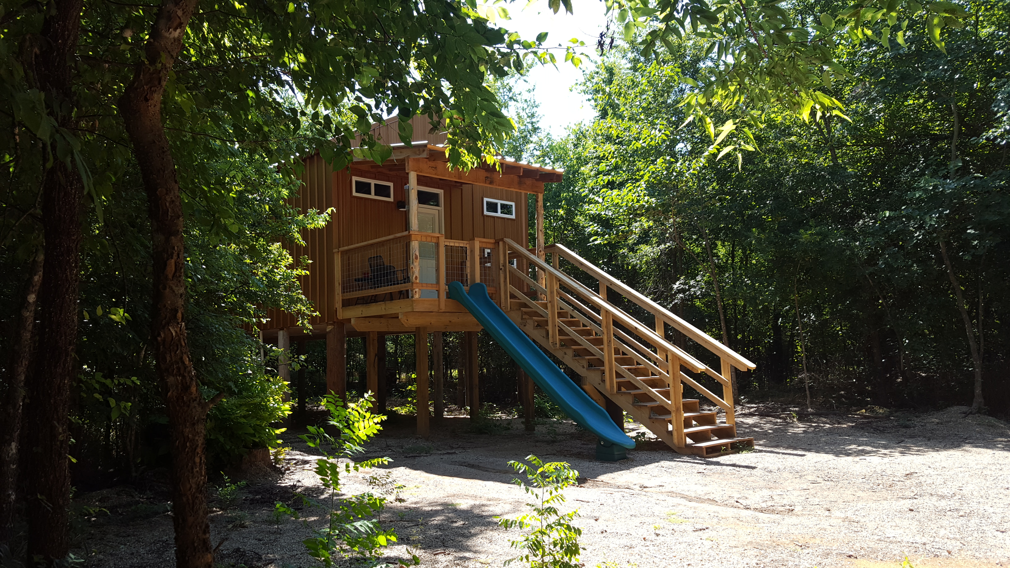 exterior fall of beau view branson talentneeds cabins oklahoma com pic cabin misty treehouse