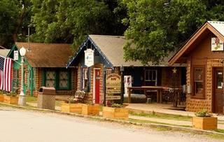 Attirant Medicine Park Town Hall