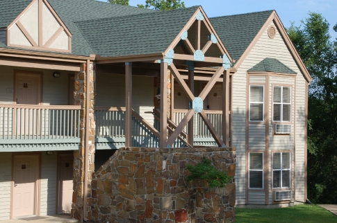 """Stay & Play Package at Beavers Bend State Park - Fall/Winter"""""""
